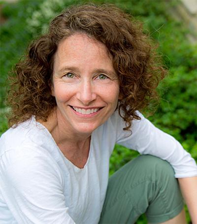 Toni Weiss Portrait Image